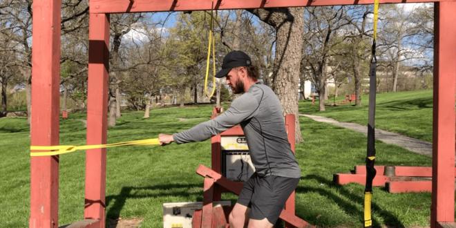 Das Anfänger-Widerstandsband-Training, das Sie zu Hause durchführen können