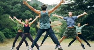 Bleiben Sie fit mit diesen sicheren, sozial distanzierten Outdoor-Trainingskreisen